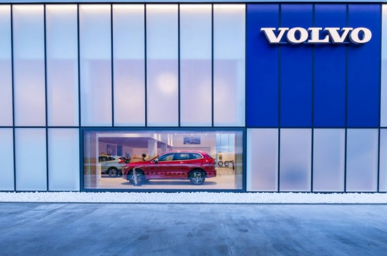 SHOWROOM VOLVO